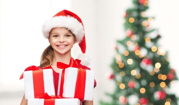 Подарки детям от организации 58